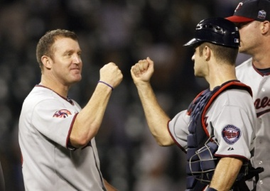 twins-thome-and-mauer-celebrate-win-chicago.jpg